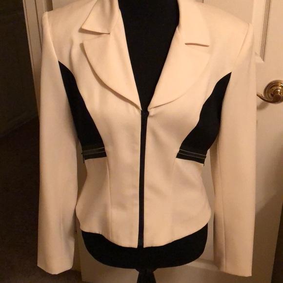 entre deux modes Jackets & Blazers - Designer form fitted jacket. Cream and black